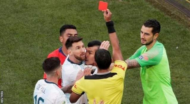 red card messi