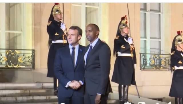 Emmanuel Macron iyo Kheyre