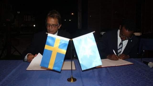soomaaliya iyo sweden