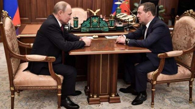 Putin iyo raiisulwasaarihiisa