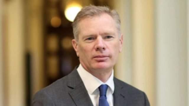 Rob Macair amb Britain iran
